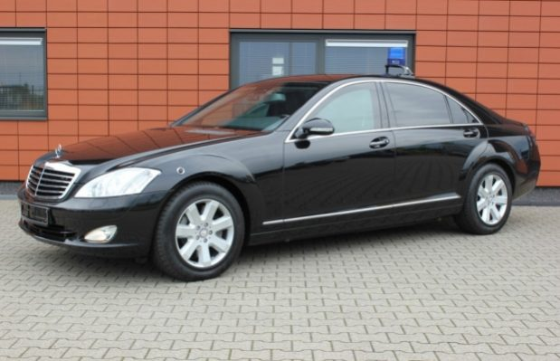 Factory armoured Mercedes S420