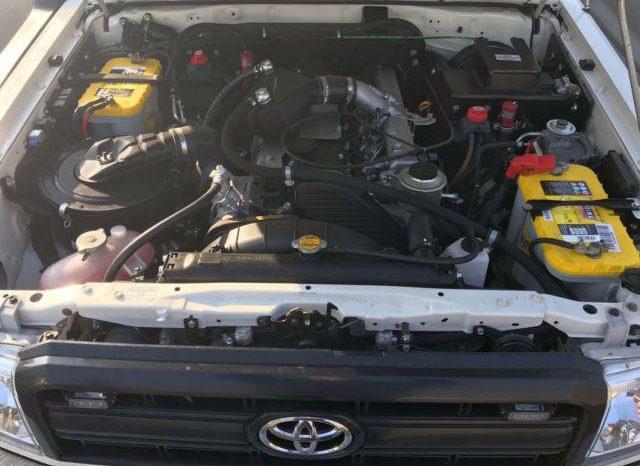 Toyota HZJ 78 D Ambulance armoured VR6 full